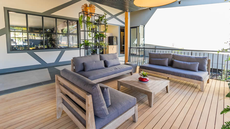 Clubhouse patio - slider